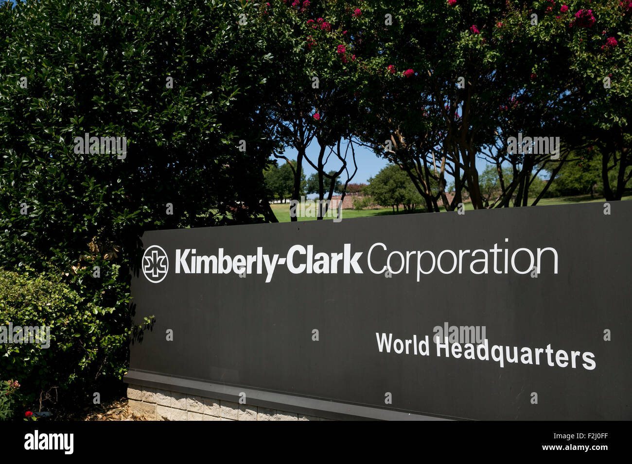 A logo sign outside of the headquarters of the Kimberly-Clark Corporation in Irving, Texas on September 13, 2015. Stock Photo