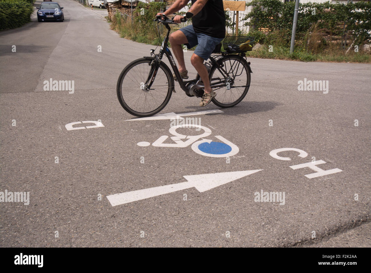 signage road markings on the 170 mile Bodensee-Radweg - Lake Constance cycle path in Austria - Stock Image