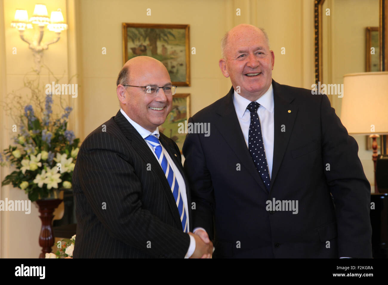 Canberra, Australia. 21st Sep, 2015. Arthur Sinodinos (L) is sworn in as Cabinet Secretary by Governor General Sir - Stock Image