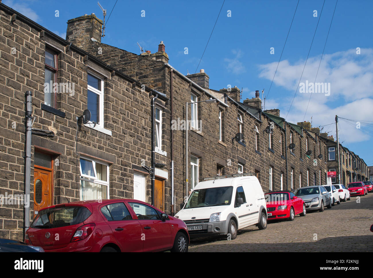 Steeply Sloping Castle Street Of Stone Built Terraced Houses In Skipton,  West Yorkshire England, UK