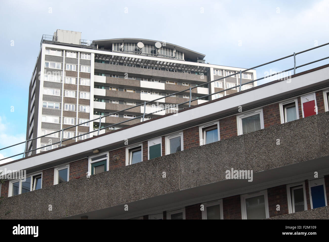 London The Finsbury Estate social housing Joseph Trotter Close ( foreground ) with Michael Cliffe House ( rear ) - Stock Image