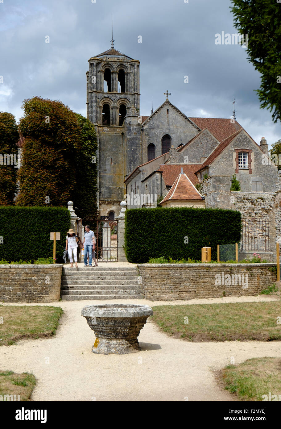 Gardens in the Abbey of Vezelay, Burgundy, France - Stock Image