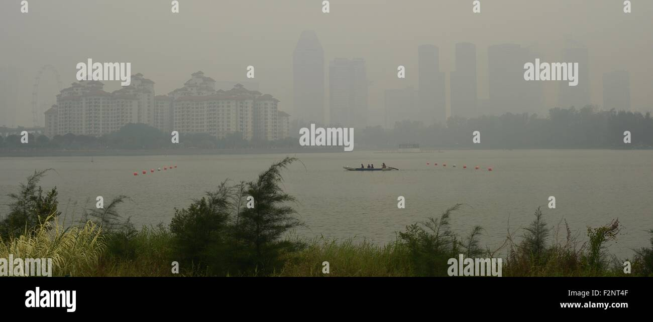Singapore. 22nd Sep, 2015. Haze looms over Singapore's Kallang Basin, Sept. 22, 2015. The three-hour Pollutants - Stock Image