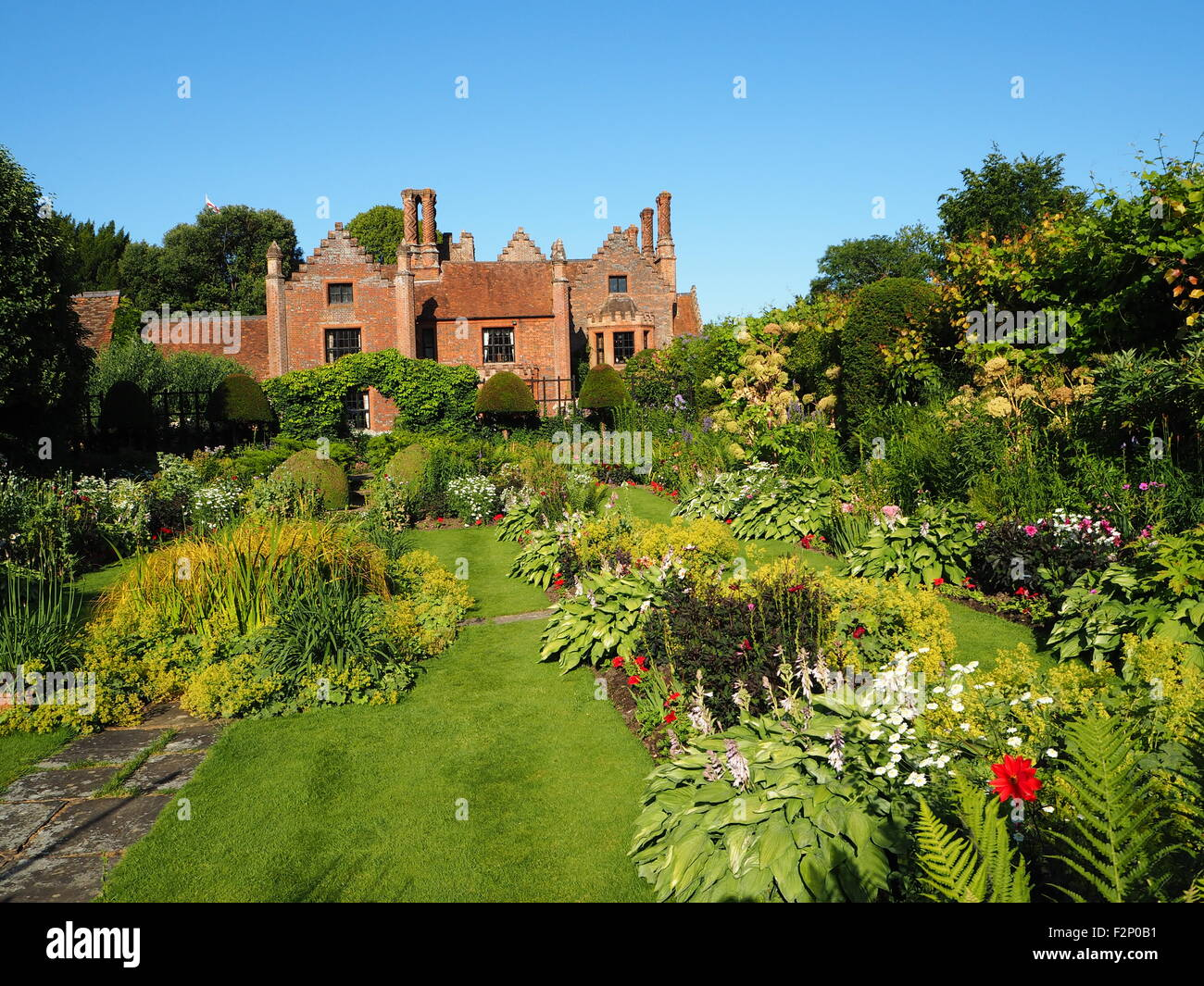 Incredible Chenies Manor House And Sunken Garden With Beautiful Download Free Architecture Designs Rallybritishbridgeorg