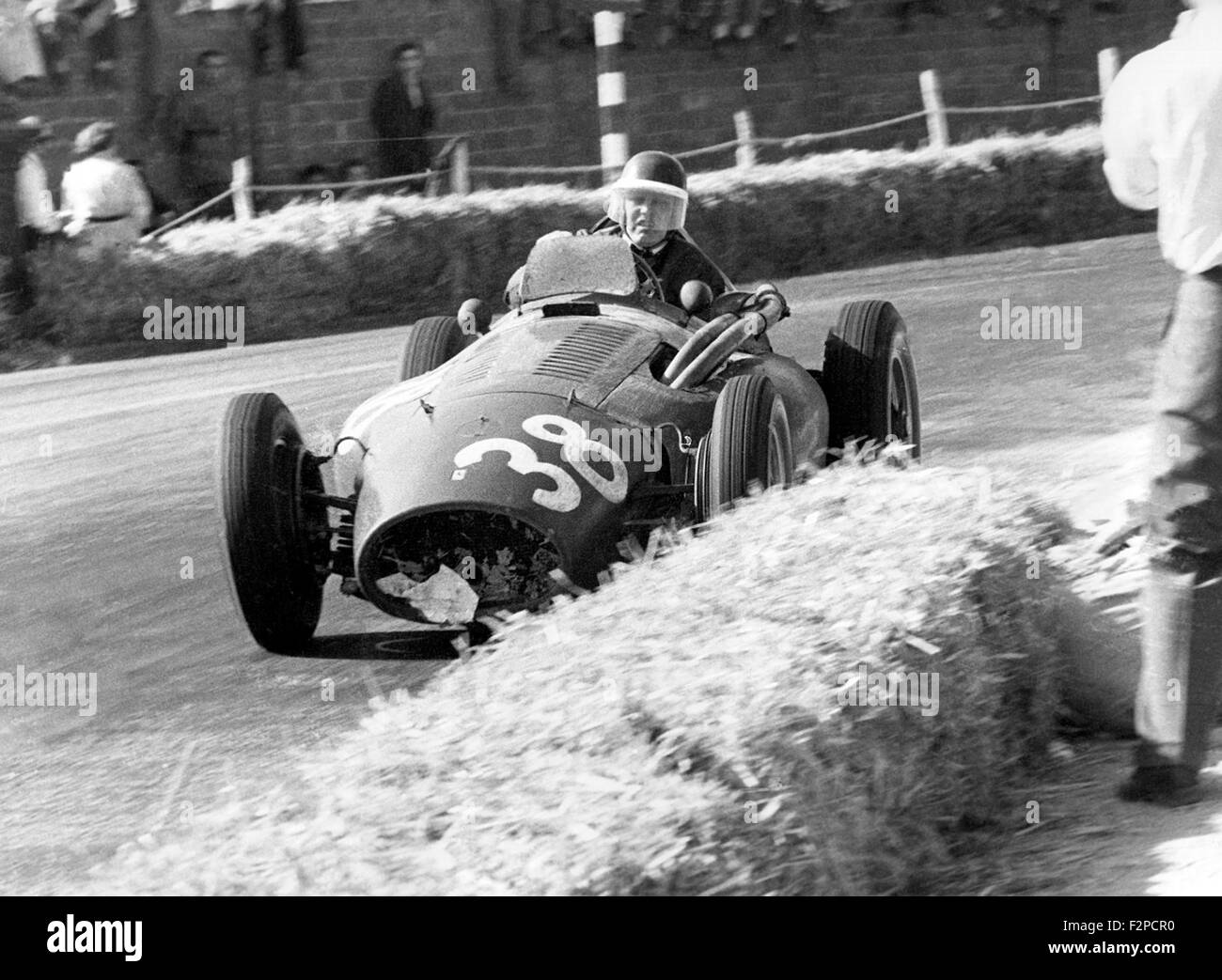 Mike Hawthorn in a Ferrari Squalo 555 in the Spanish GP in Pedralbes 1954 - Stock Image