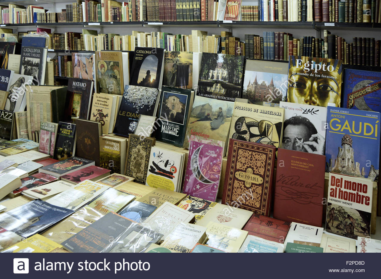 Bookshop with used secondhand books in Barcelona Catalonia Spain Europe - Stock Image