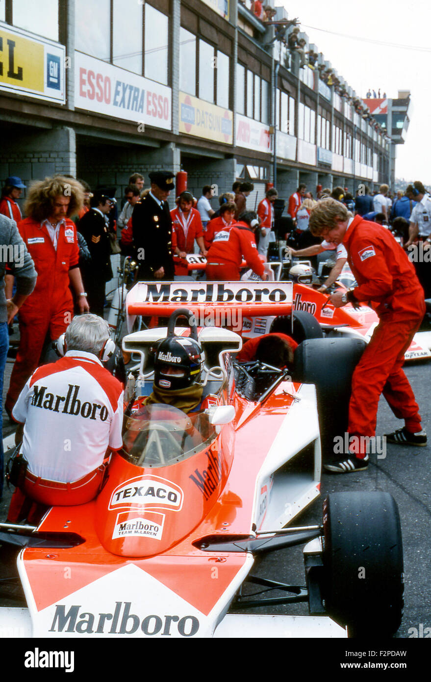 James Hunt in a McLaren M23 in the pits, Italian GP at Monza 1976 - Stock Image