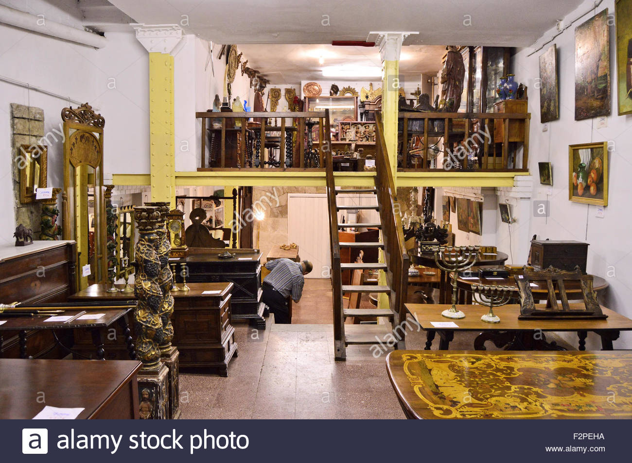 Antique vintage furniture store in Barri Gotic (Old Town) Barcelona Spain Europe - Stock Image
