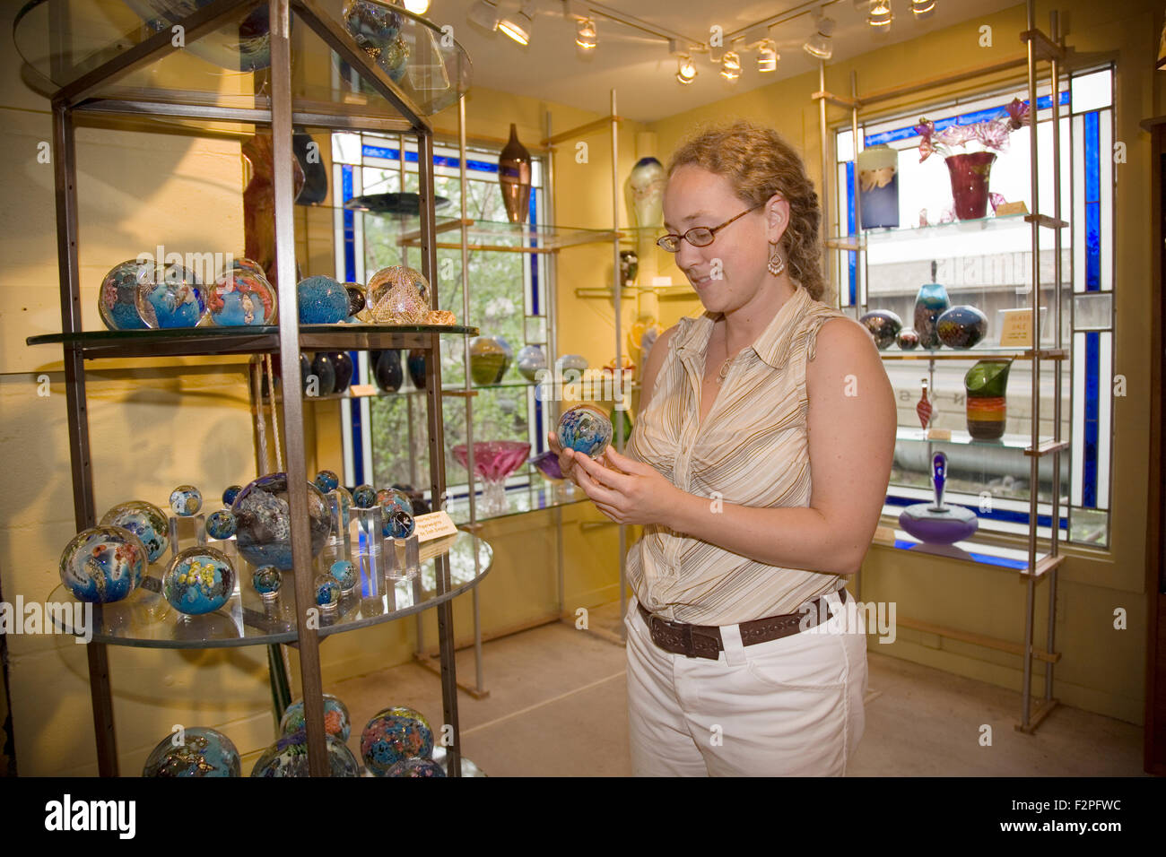 Stowe Craft Gallery & Design Center, featuring Stowe area artists like  Josh Simpson who produces hand blown art Stock Photo