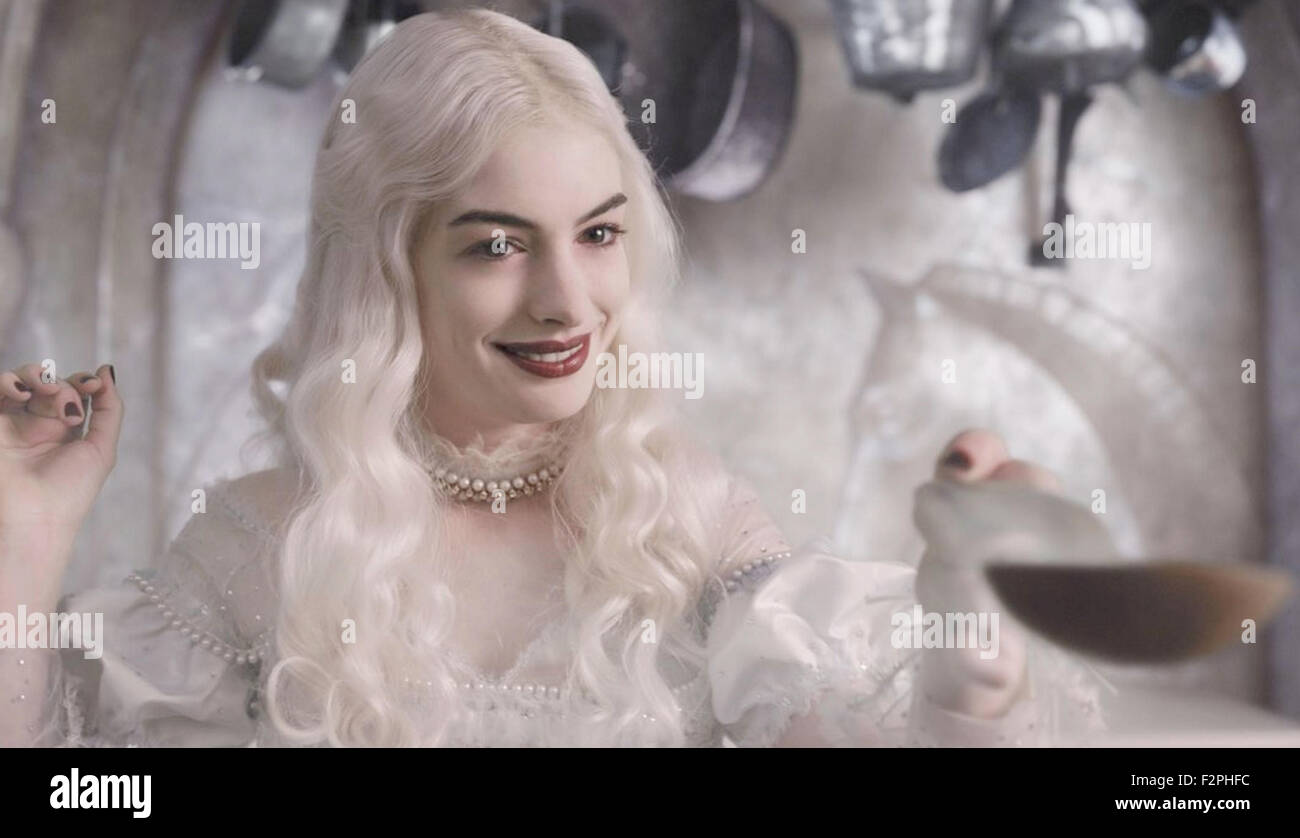 ALICE IN WONDERLAND 2010 Disney Enterprises film with Anne Hathaway - Stock Image