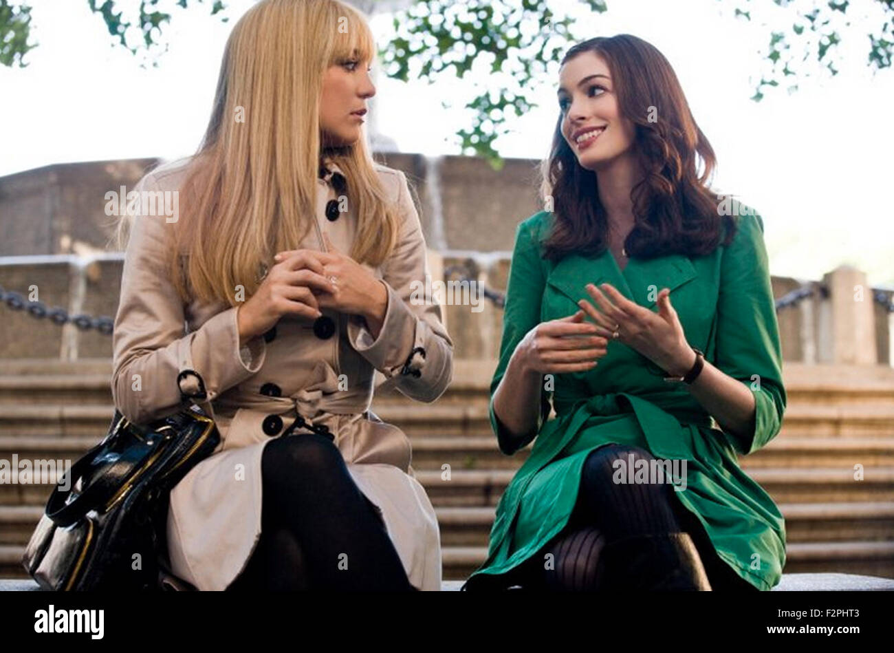 BRIDE WARS  2009 film with Anne Hathaway at right and Kate Hudson - Stock Image