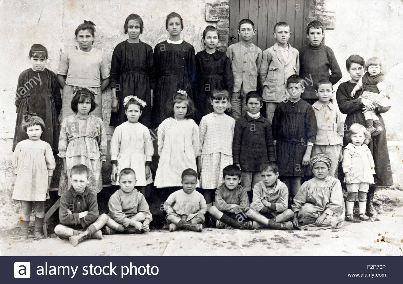 rural school group portrait with teacher early 1900s France Stock Photo