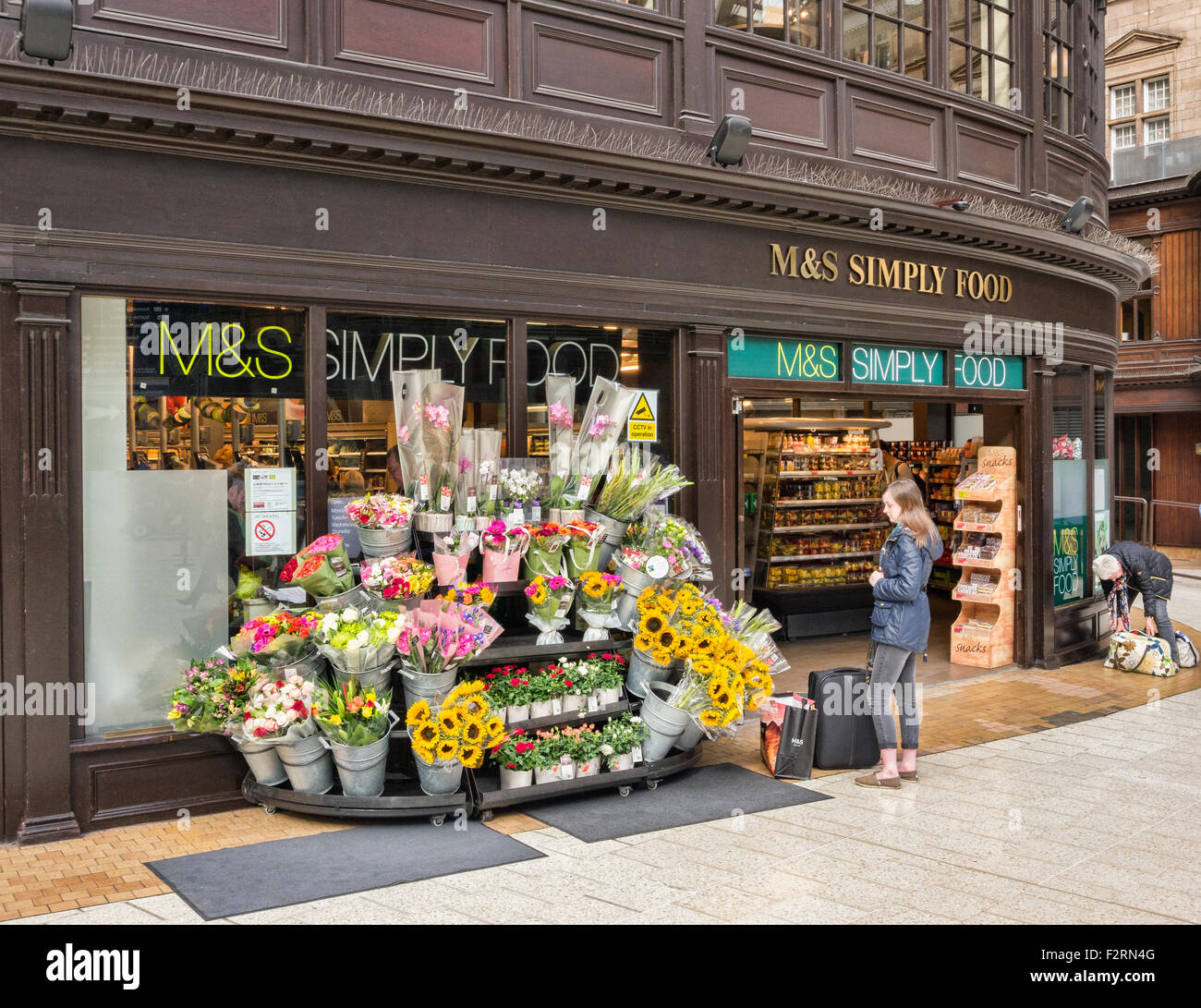 M&S Simply Food, Glasgow Central Station, Glasgow, Scotland, UK. - Stock Image