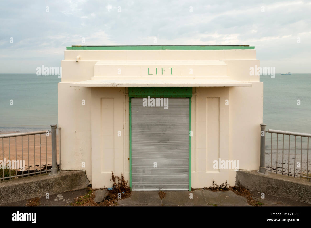 The closed Grade II listed art deco cliff lift in Margate. - Stock Image