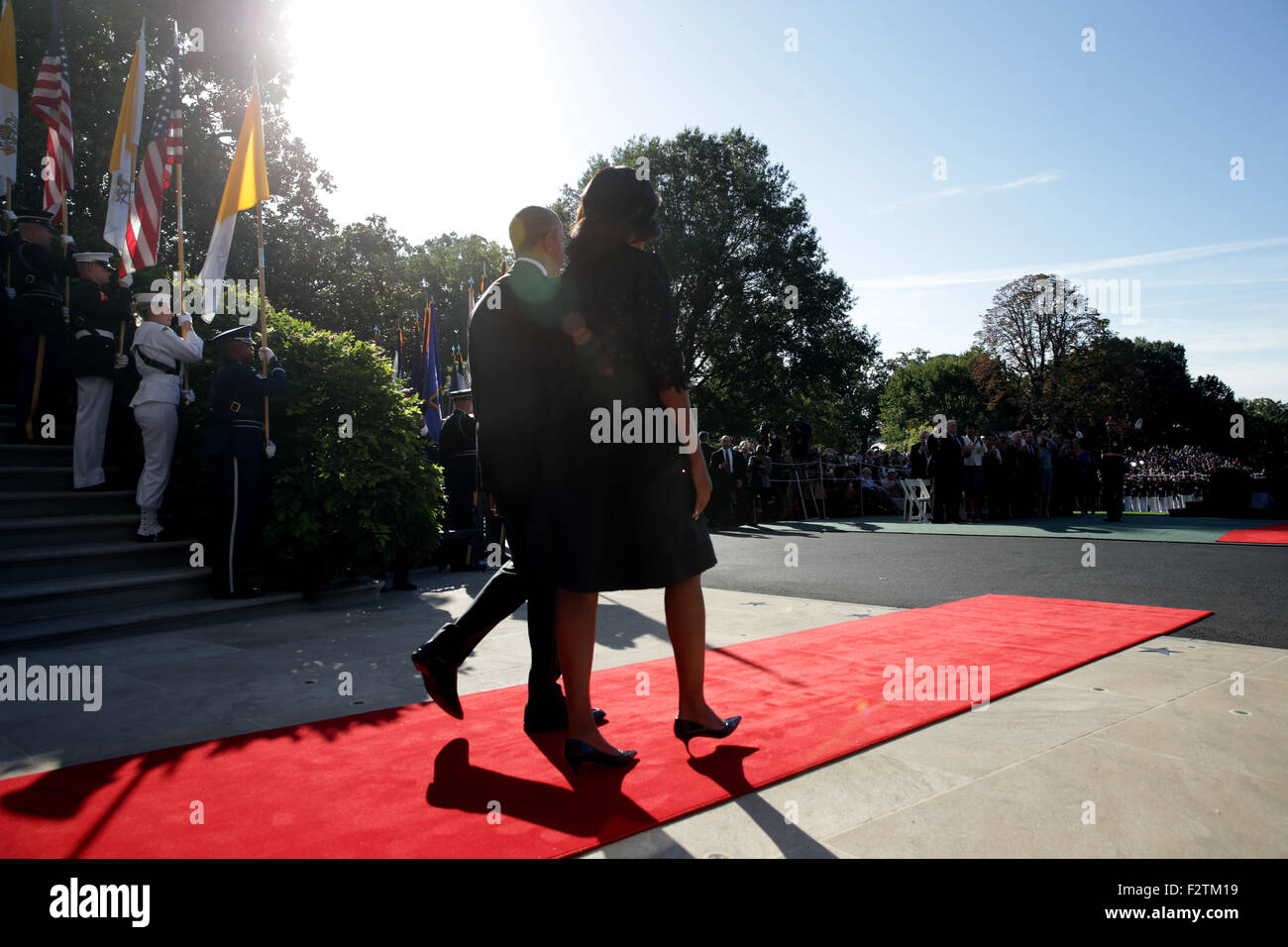Washington, DC. 23rd Sep, 2015. U.S. President Barack Obama and first Lady Michelle Obama walk out to welcome Pope Stock Photo
