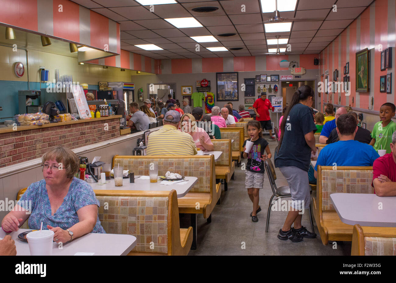 Shawnee Oklahoma OK famous old restaurant Hamburger King built in 1927 with phones at tables to order food Stock Photo