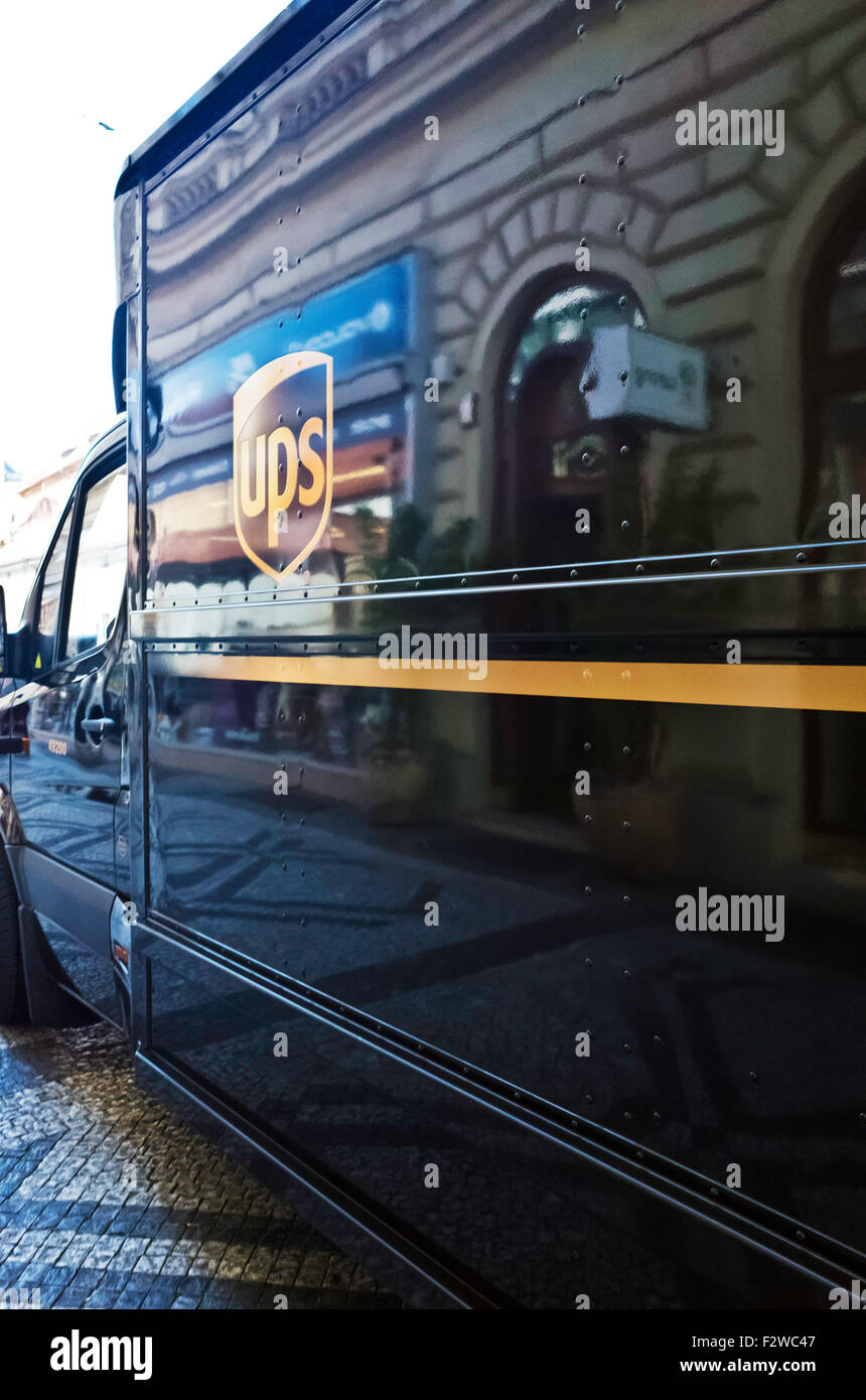 UPS mail delivery van - Stock Image