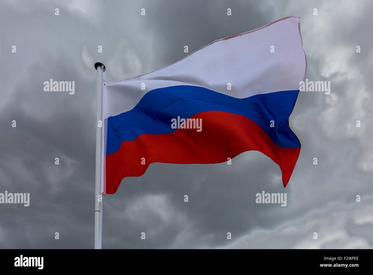 18.04.2015, Berlin, Berlin, Germany - Flag of Russian Federation waving in the wind. 0MK150416D028CAROEX.JPG - NOT - Stock Image