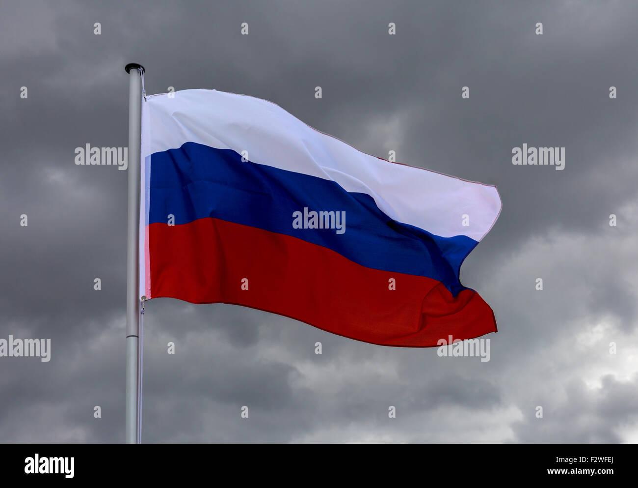 18.04.2015, Berlin, Berlin, Germany - Flag of Russian Federation waving in the wind. 0MK150416D030CAROEX.JPG - NOT - Stock Image