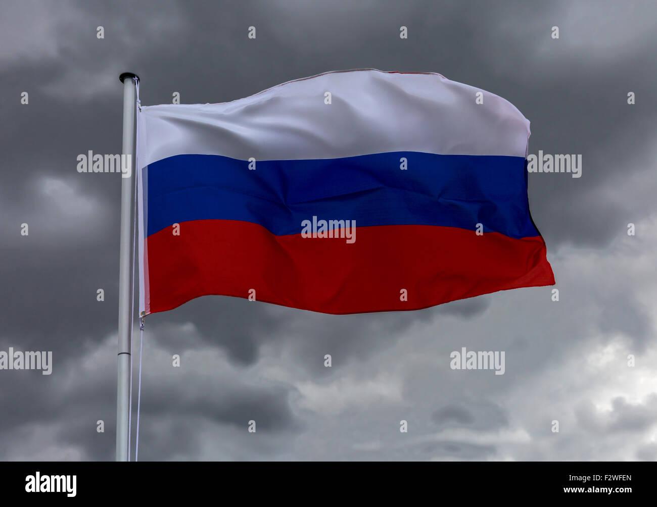 18.04.2015, Berlin, Berlin, Germany - Flag of Russian Federation waving in the wind. 0MK150416D031CAROEX.JPG - NOT - Stock Image