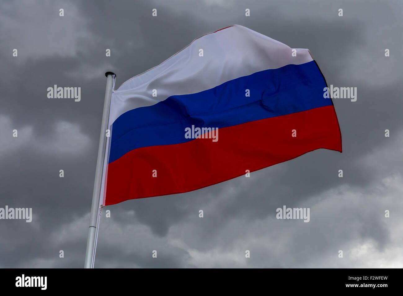 18.04.2015, Berlin, Berlin, Germany - Flag of Russian Federation waving in the wind. 0MK150416D032CAROEX.JPG - NOT - Stock Image