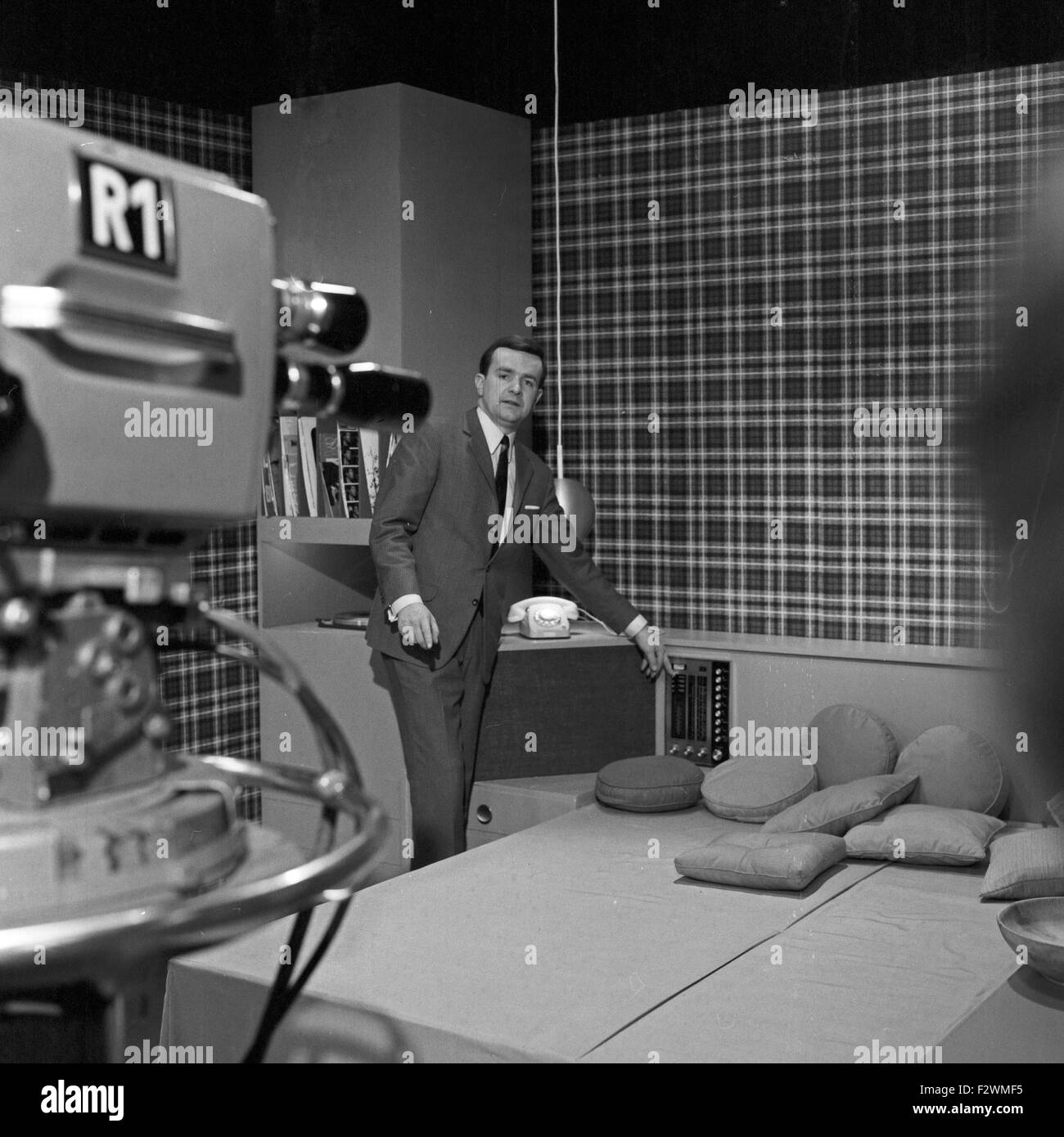 Tv by telefunken stock photos tv by telefunken stock for Wmf offenbach