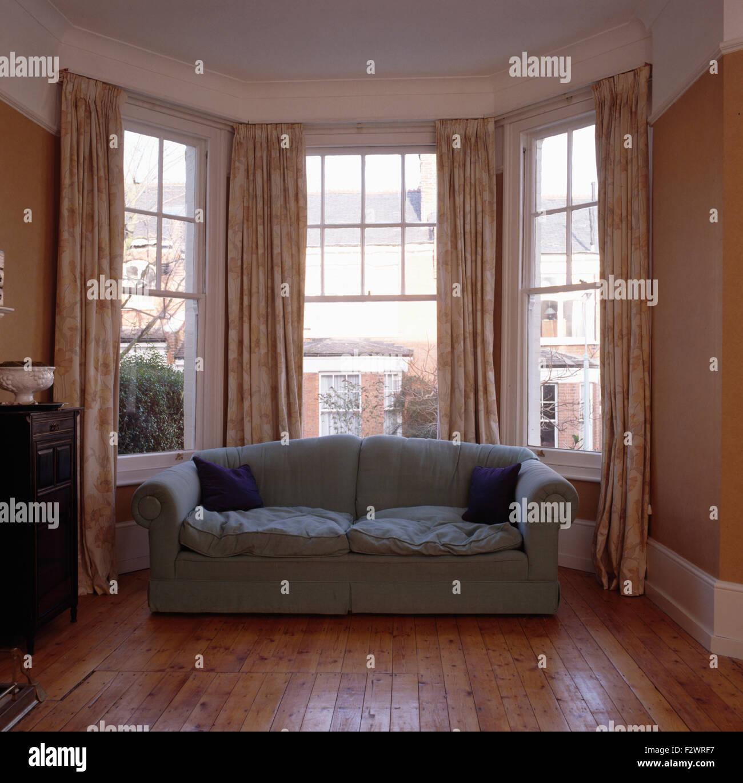 Awesome Grey Sofa In Front Of Bay Window In Eighties Living Room Inzonedesignstudio Interior Chair Design Inzonedesignstudiocom