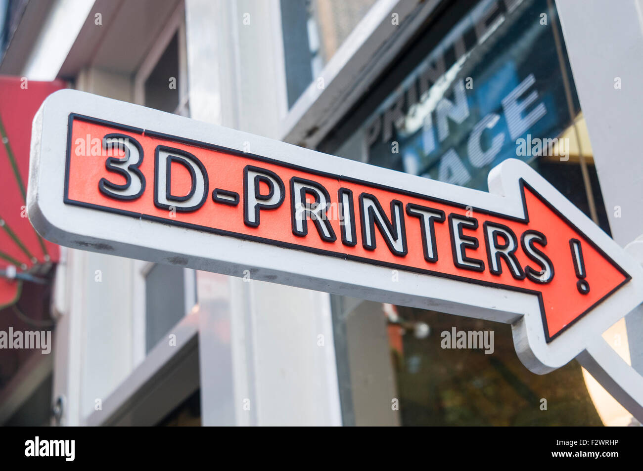 Sign outside a shop with 3D printers, who will manufacture small items. - Stock Image