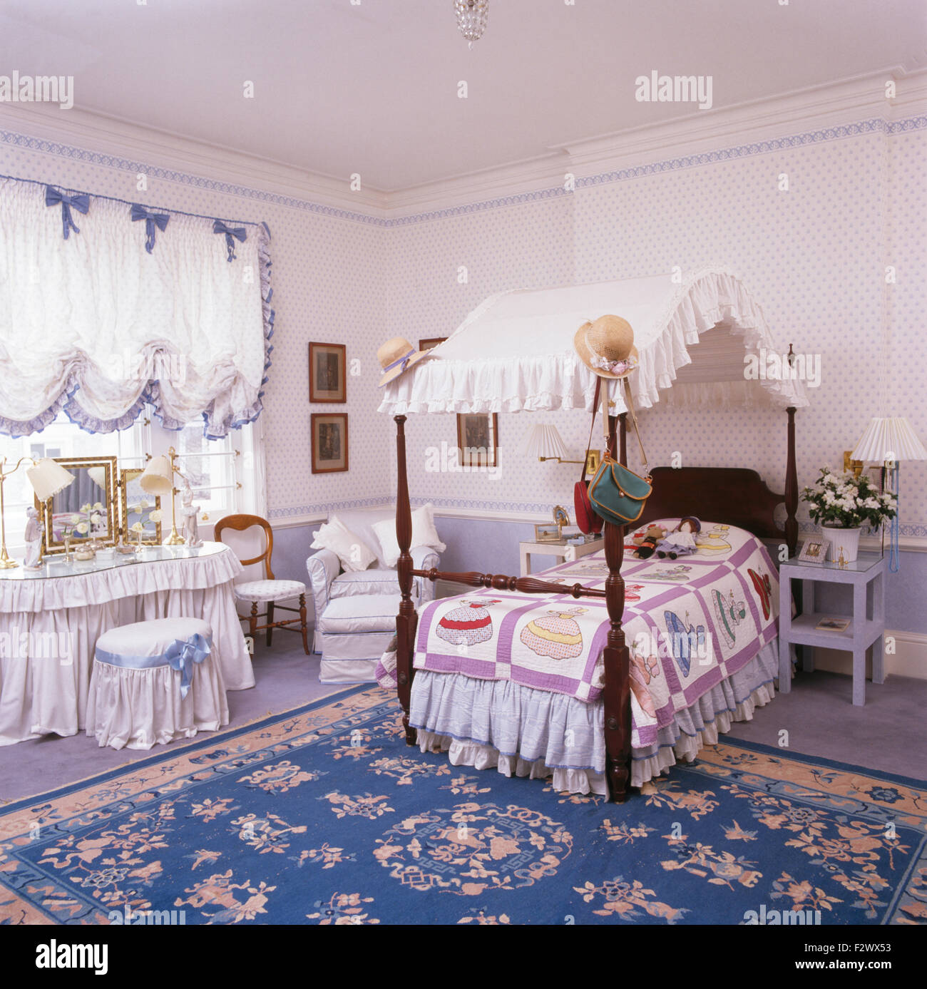 Miniature Four Poster Bed And Kidney Dressing Table With White Drapes In  Childu0027s Opulent Eighties Bedroom