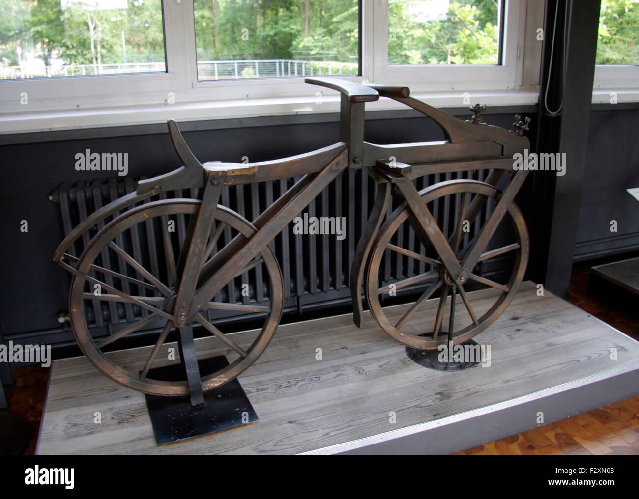 historisches Fahrrad - Deutsches Technikmuseum, Berlin-Kreuzberg. - Stock Image