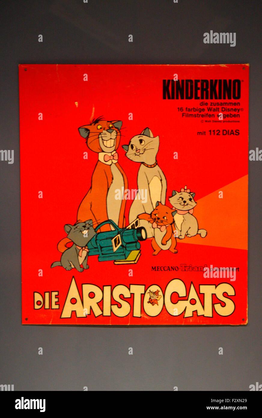 historisches Plakat als Werbung fuer den Spielfilm/ Zeichentrickfilm 'Aristocats' - Deutsches Technikmuseum, - Stock Image