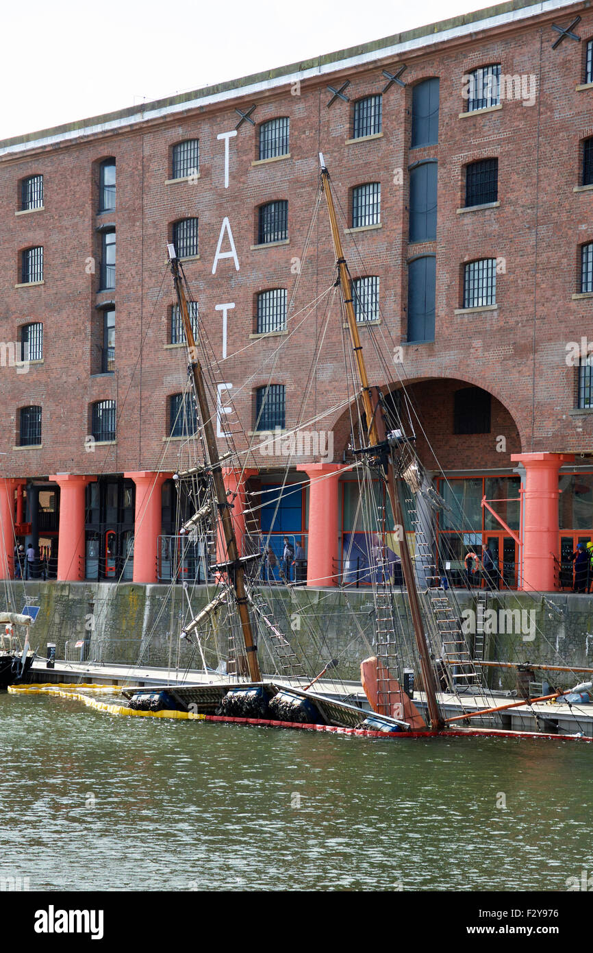 Hartley Quay, Albert Dock, Liverpool, United Kingdom. 25th September 2015.  Protected by boom to prevent poloution, - Stock Image