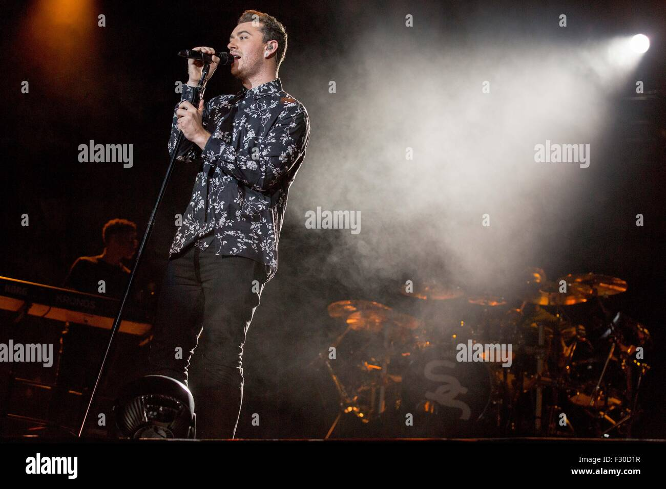 Chicago, Illinois, USA. 1st Aug, 2015. Singer SAM SMITH performs live in Grant Park at the Lollapalooza Music Festival - Stock Image