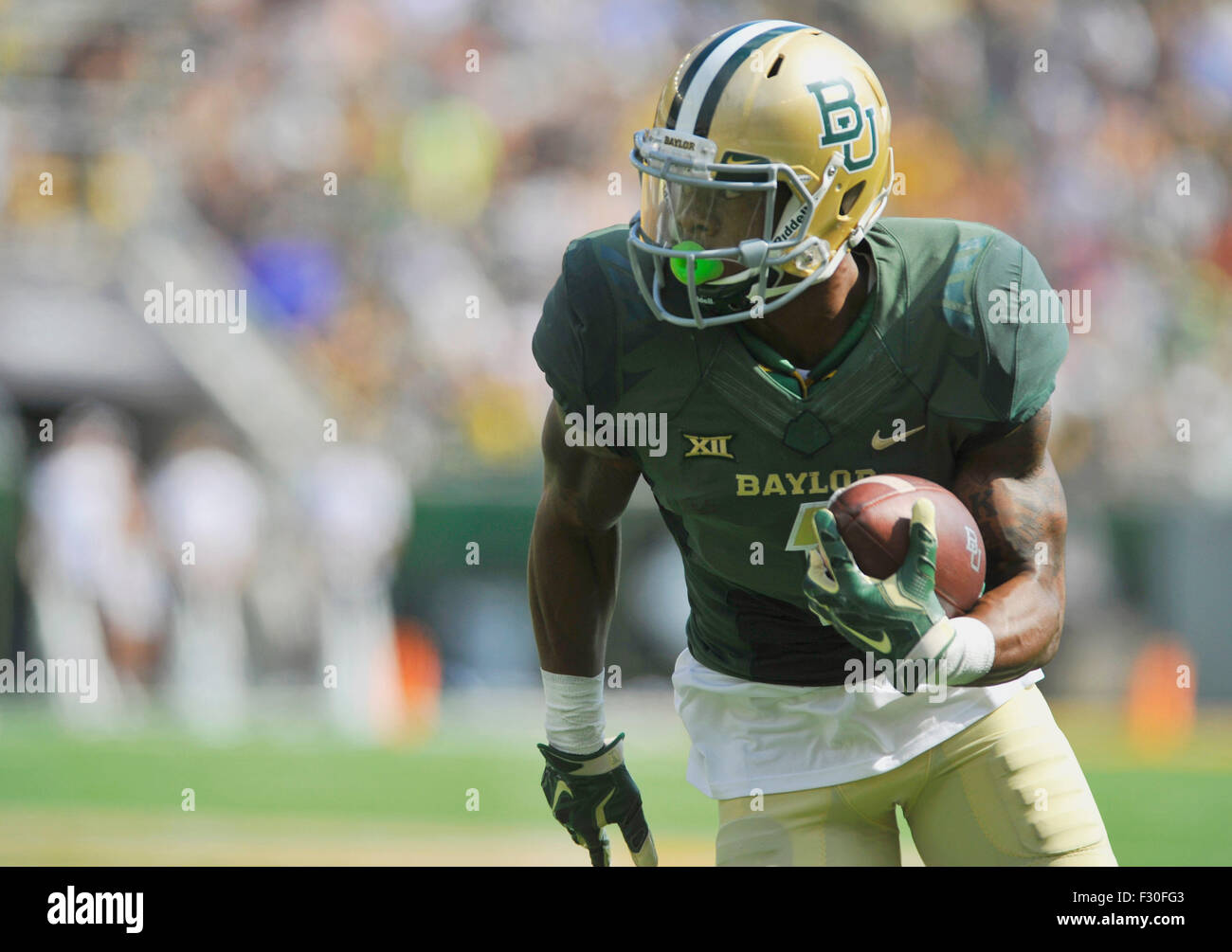 September 26, 2015: Baylor receiver Corey Coleman (1) runs up field during the first half of a NCAA college football Stock Photo