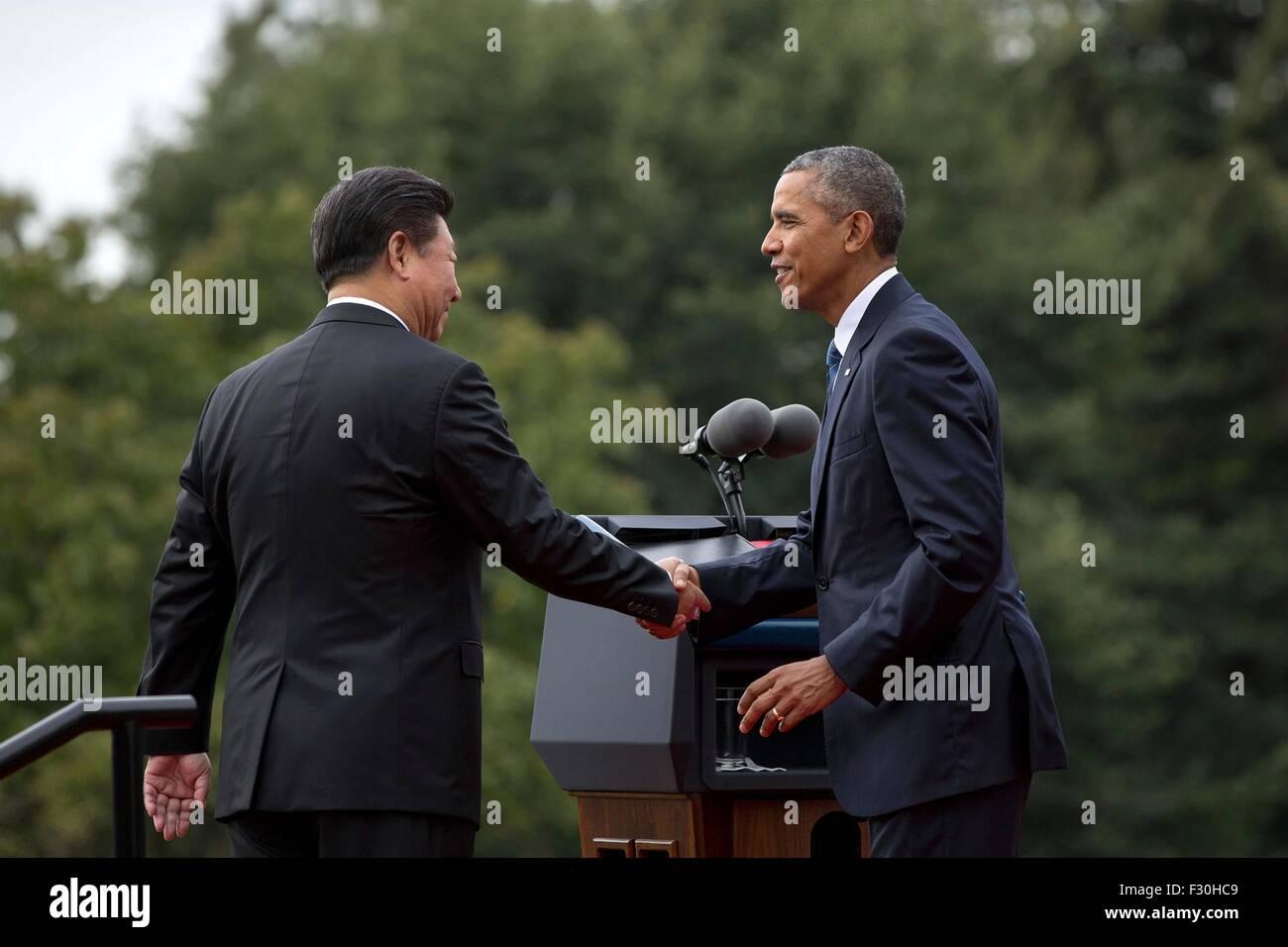 Washington DC, US. 25th Sep, 2015. U.S. President Barack Obama welcomes Chinese President Xi Jinping during the - Stock Image