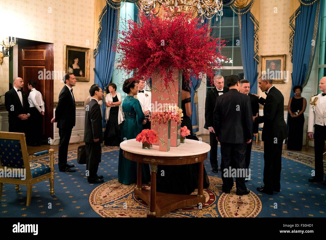 Washington DC, US. 25th Sep, 2015. U.S. President Barack Obama and Chinese President Xi Jinping greet guests in - Stock Image