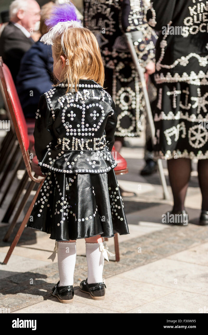 London, UK.  27 September 2015.  A Pearly Princess joins the Pearly Kings and Queens, dressed in their traditional - Stock Image