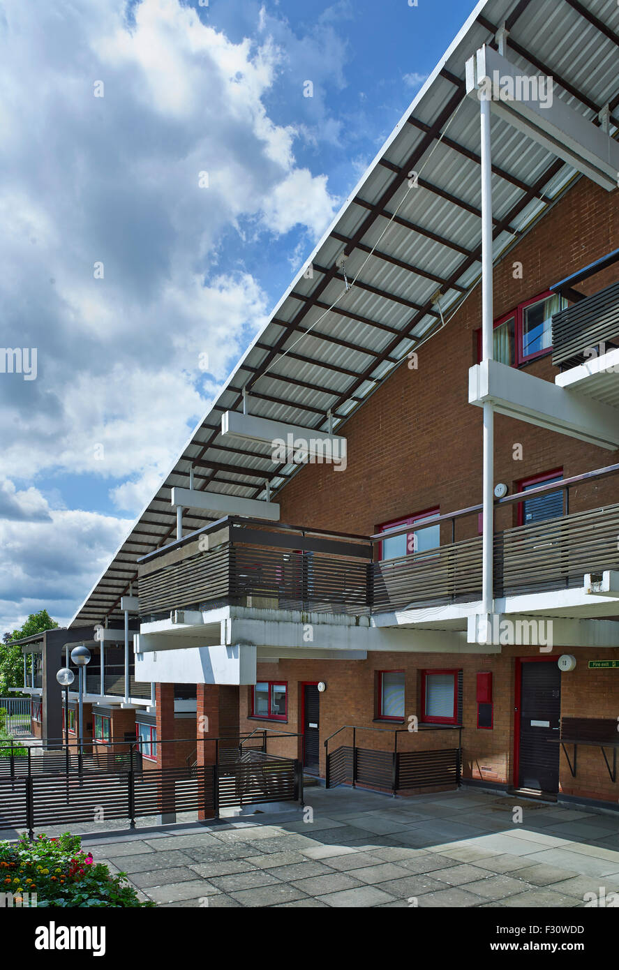 Cambridge University, Clare Hall by Ralph Erskine, 1966-69 - Stock Image