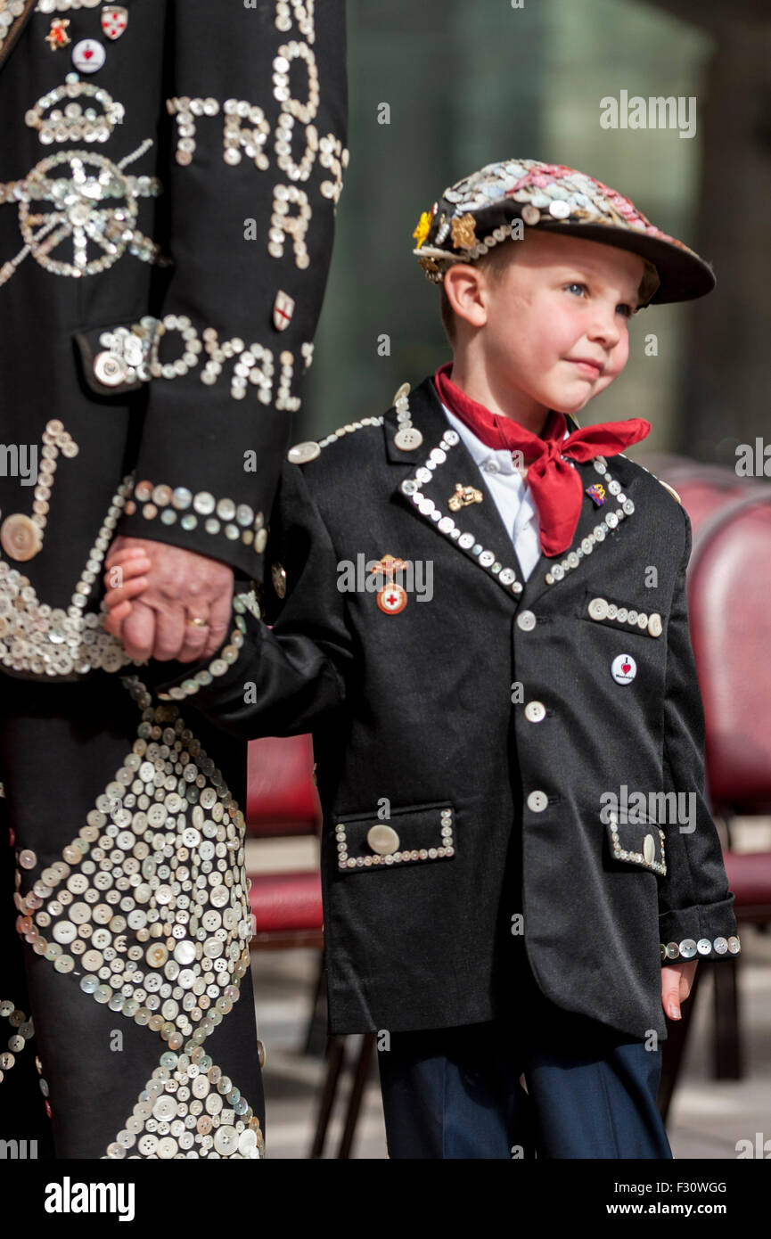London, UK.  27 September 2015.  A Pearly Prince joins the Pearly Kings and Queens, dressed in their traditional - Stock Image