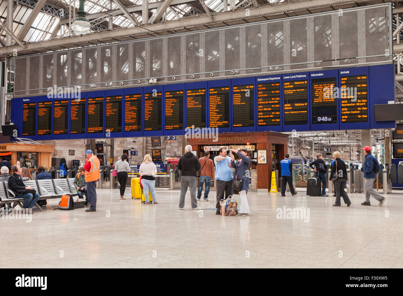 Concourse and Departure Board, Glasgow Central Station, Glasgow, Scotland, UK. - Stock Image