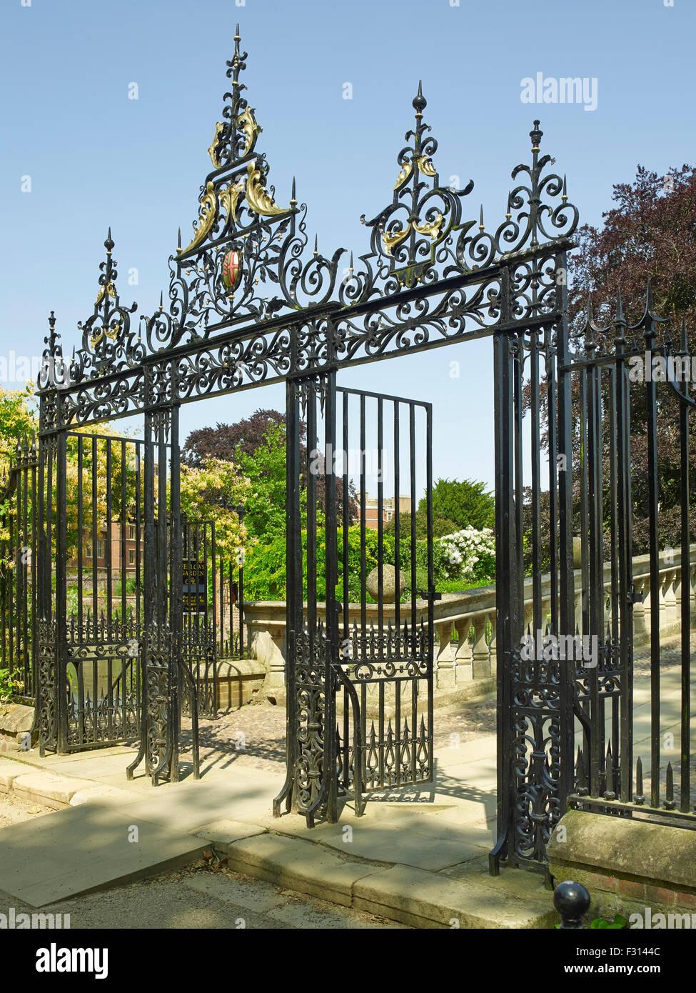 Cambridge, Clare College, gates - Stock Image