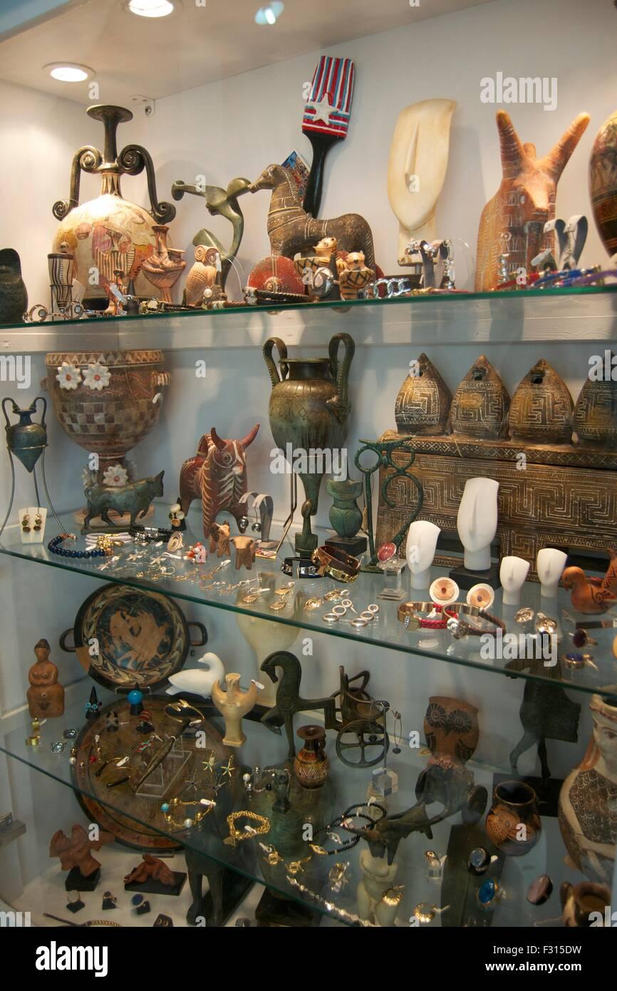 greek souvenirs stock photos greek souvenirs stock images alamy. Black Bedroom Furniture Sets. Home Design Ideas