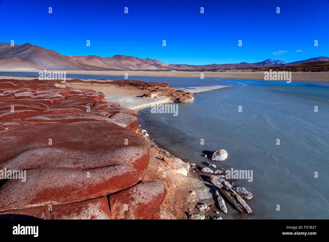 Las Piedras Rojas. Salar de Aguas Calientes (Los Flamencos National Reserve) Stock Photo