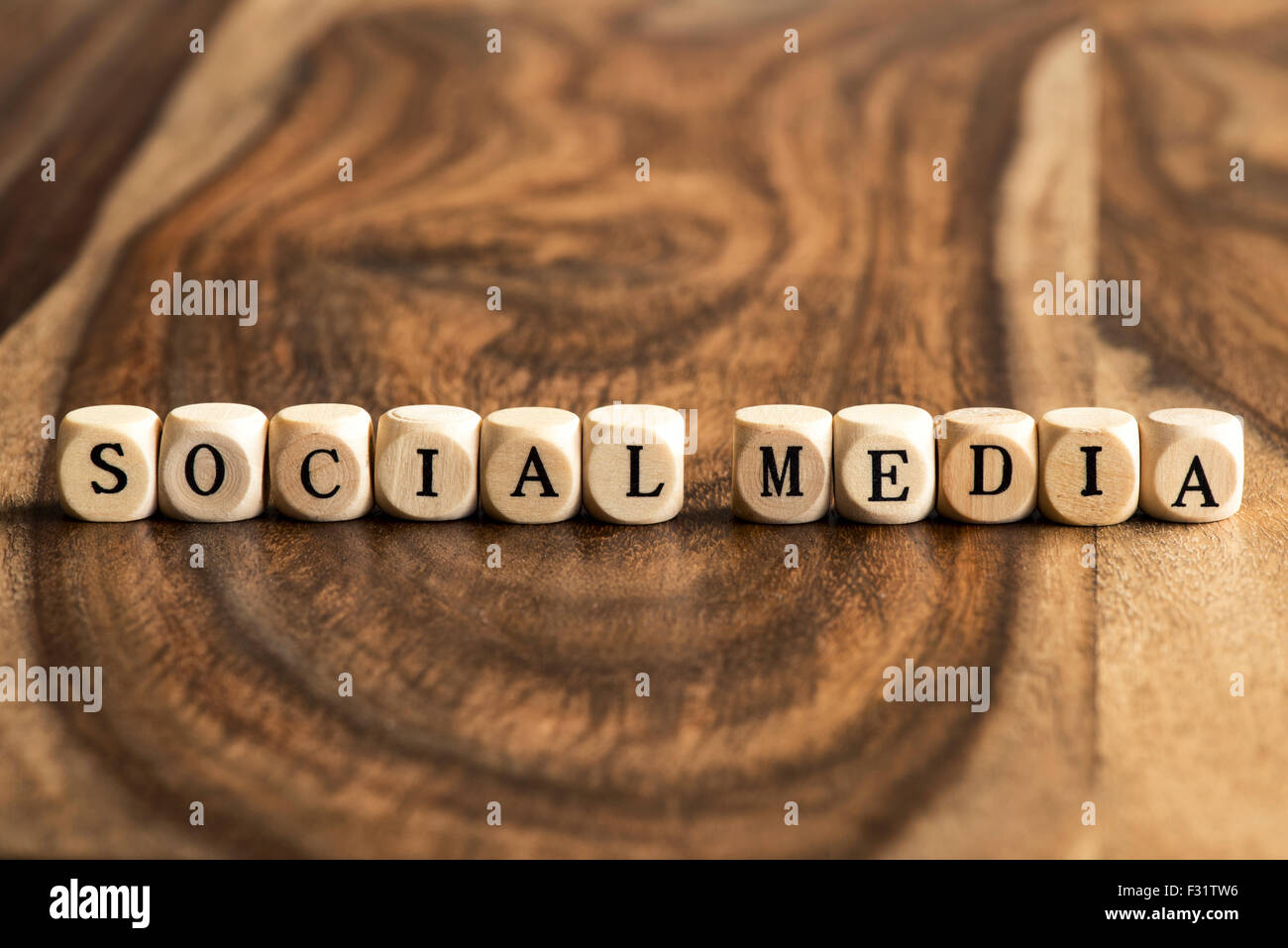 SOCIAL MEDIA word background on wood blocks - Stock Image