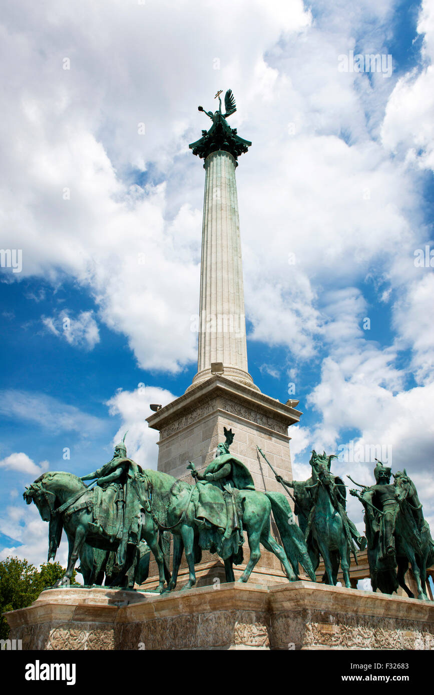 Heroes' Square, Hosok Tere, Magyar warriors, Budapest, Hungary - Stock Image