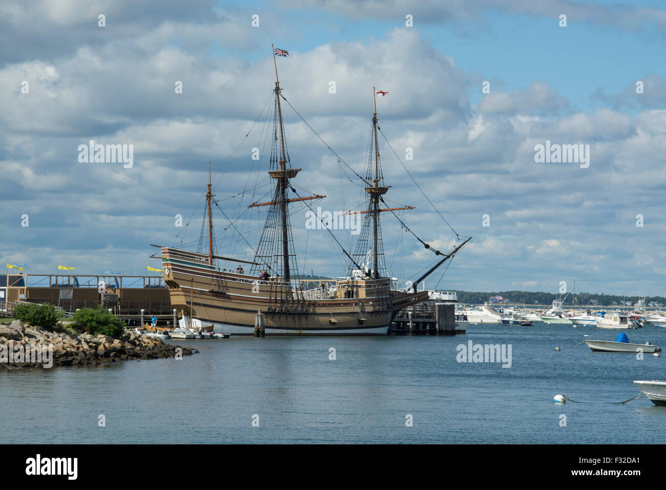 Mayflower II in Plymouth harbor, Massachusetts. The ship is a replica of the original Mayflower, and was built 1955 Stock Photo