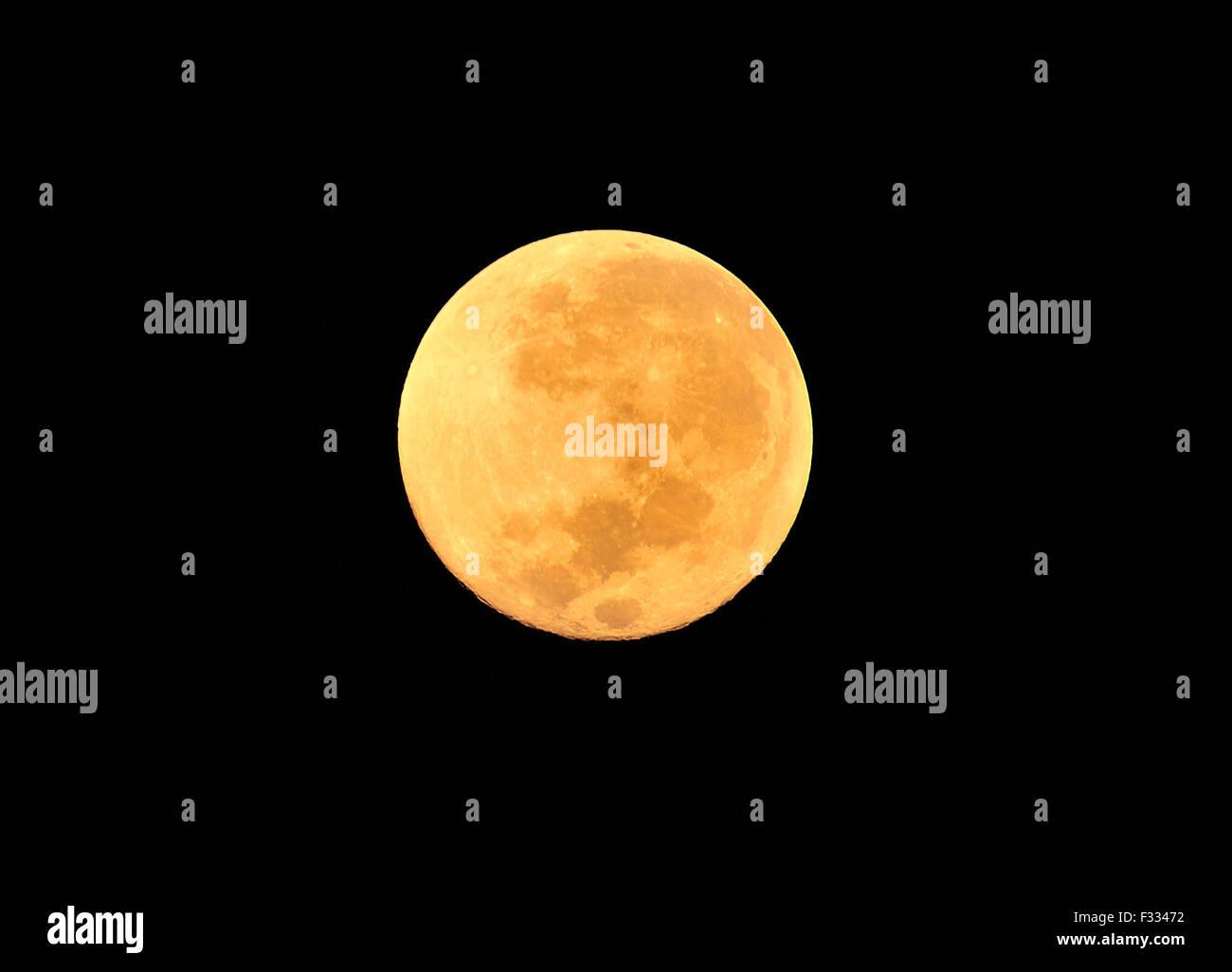 92d7fd19fbdd5 Super Moon Cebu City Philippines Stock Photo  87964998 - Alamy