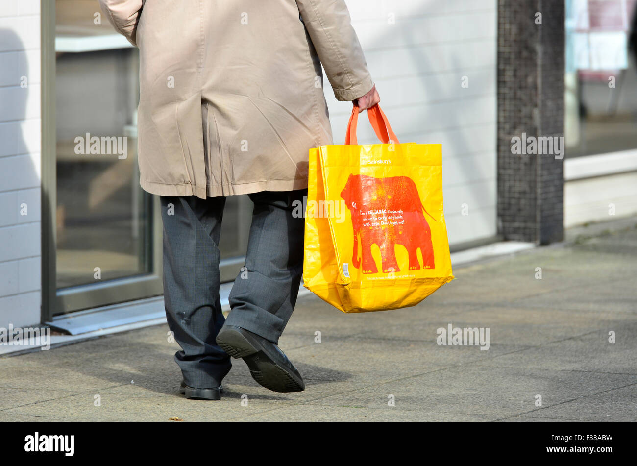 Bristol, UK. 29th September 2015. All users of plastic bags for collecting their shopping will be charged 5p from - Stock Image