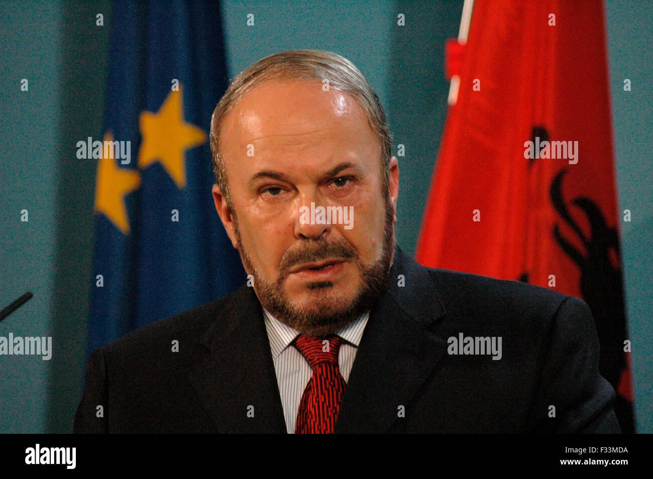 Fatos Nano, Praesident der Republik Albanien am 18. November 2004 im Bundeskanzleramt, Berlin-Tiergarten. - Stock Image