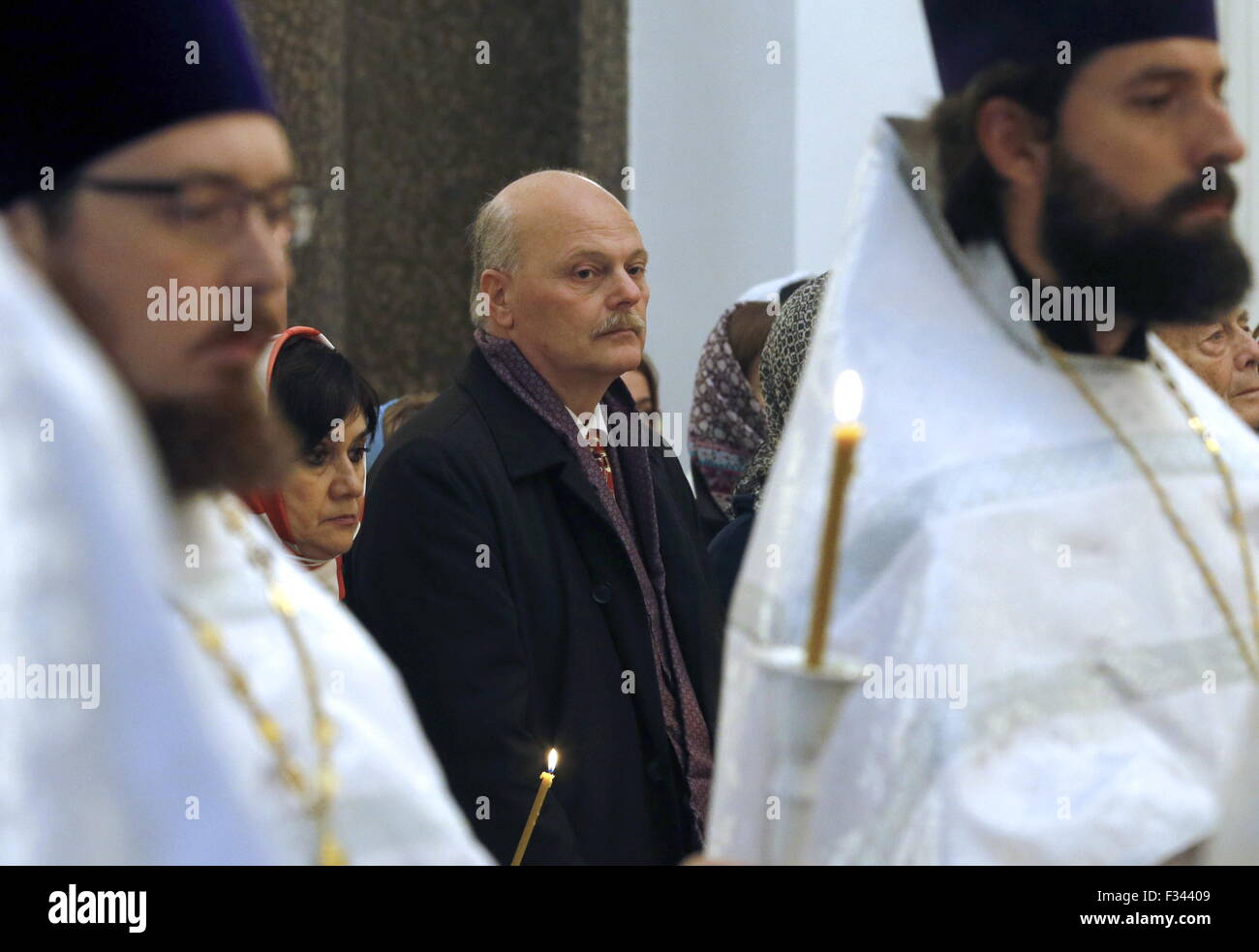 St. Petersburg, Russia. 29th Sep, 2015. Pavel Kulikovsky-Romanov (C background), great-great-grandson of former - Stock Image